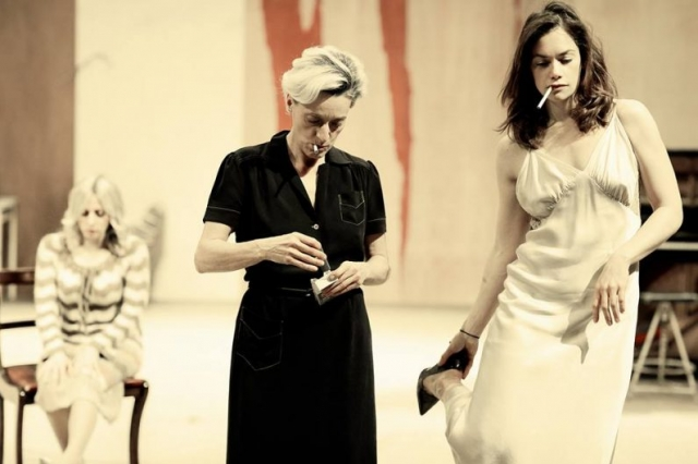 National Theater London / Hedda Gabler